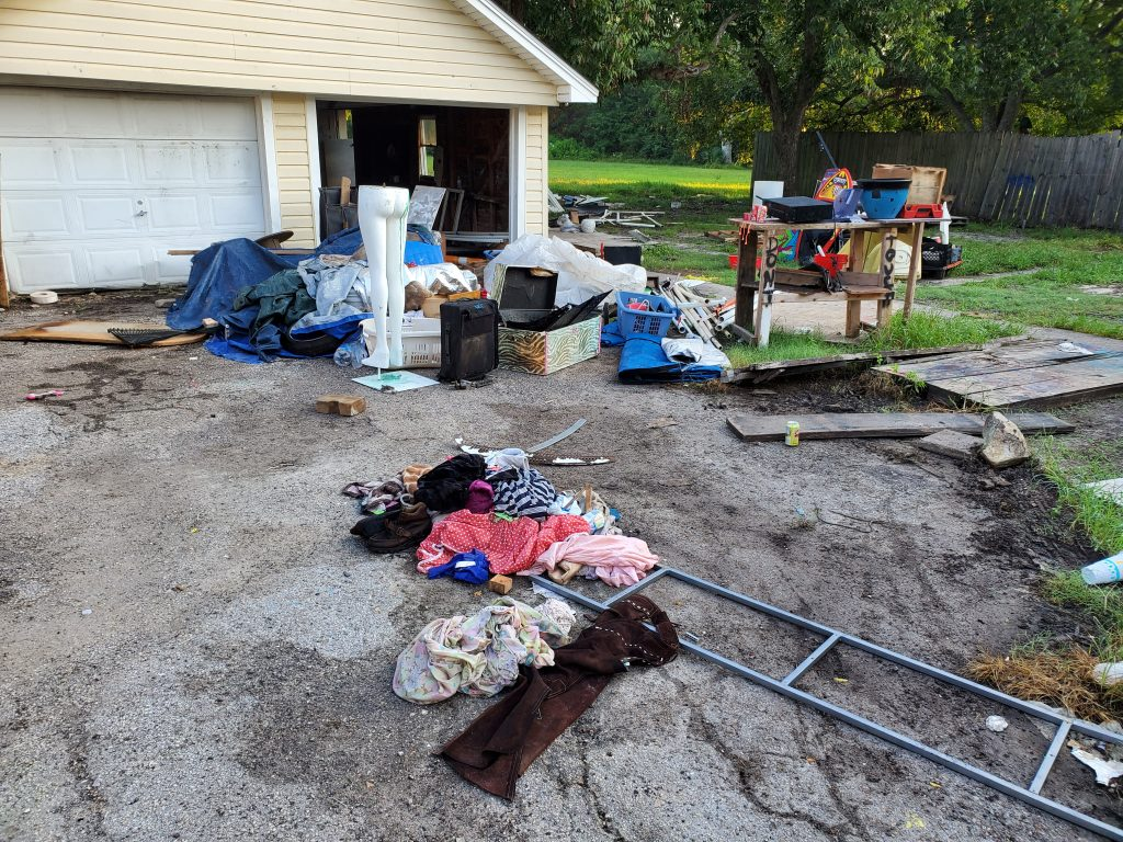 Junk In the driveway in Houston